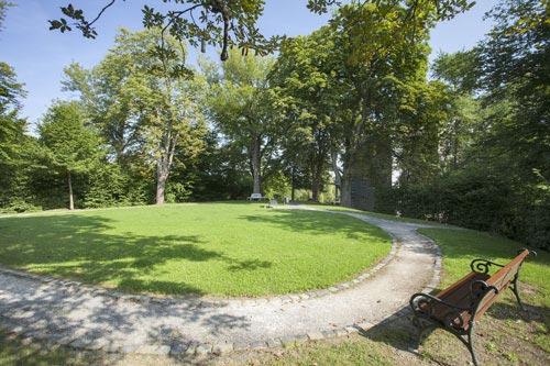Park am Schlossberg lädt zum Spazieren ein